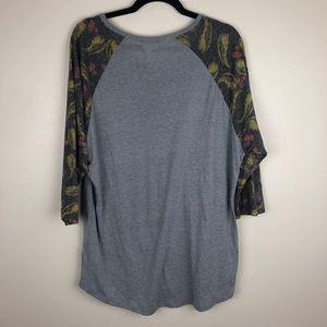 LuLaRoe Tops - LulaRoe   Printed Sleeve Gray Tee 3X